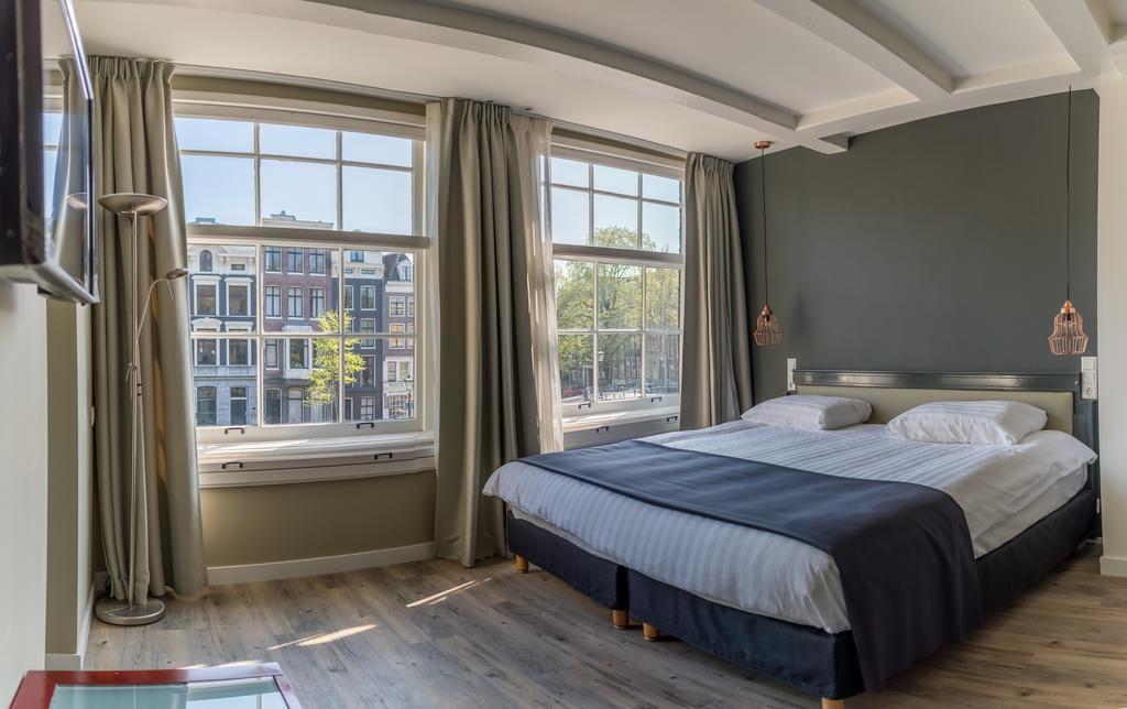 Где остановиться в Амстердаме на Рождество: Hotel Rudolph